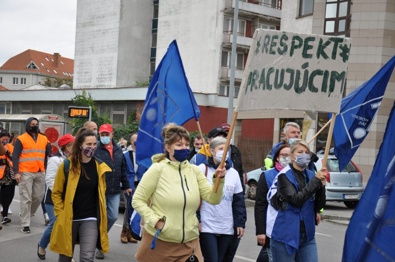 Postavenie odborov na Slovensku sa prijatými zákonmi oslabuje (2. časť)