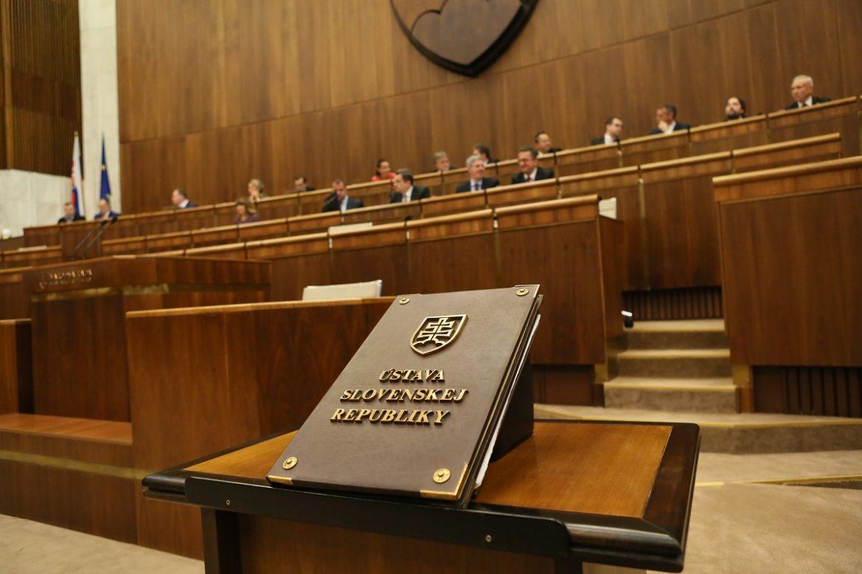 Navrhovaný zákon centralizuje moc