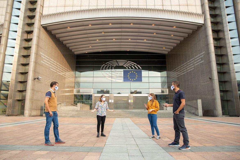 """Európsky parlament uznáva """"právo odpojiť sa"""""""