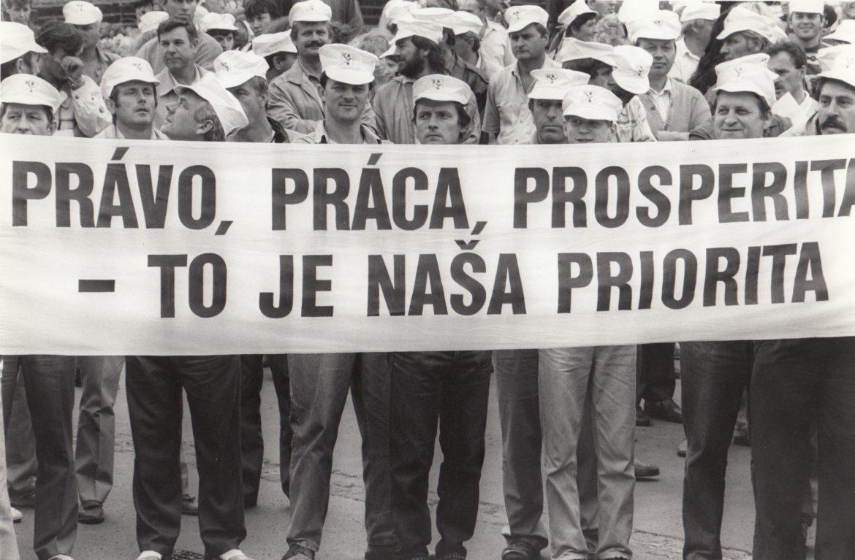 KOZ SR je už 30 rokov aktívnym členom Medzinárodnej odborovej konfederácie. Po poľskej Solidarite bola druhou členskou organizáciou z krajín strednej a východnej Európy.