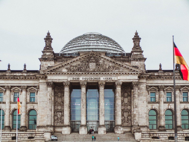 EÚ musí v oblasti minimálnych miezd nasledovať Nemecko