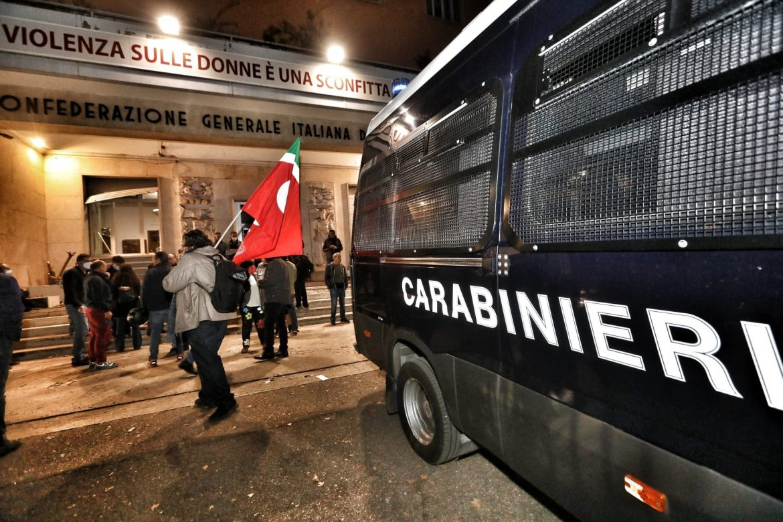 Útoky na odborovú centrálu konfederácie CGIL v Ríme